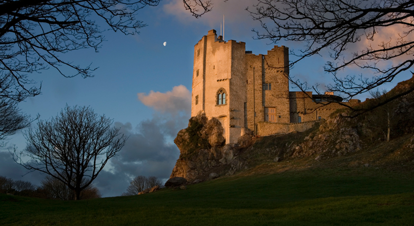 Roch-Castle-Pembrokeshire-Evening